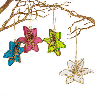 Hanging Ornament: Lily