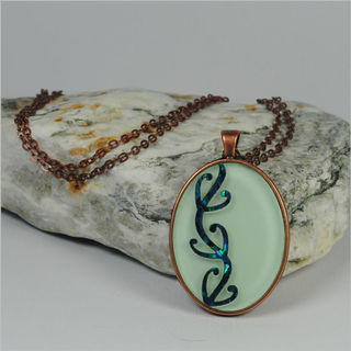 Oval Pendant Necklace: Kowhaiwhai Green
