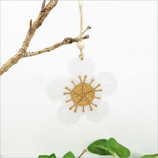 Ornament Manuka Flower: Bamboo + White Satin Acrylic