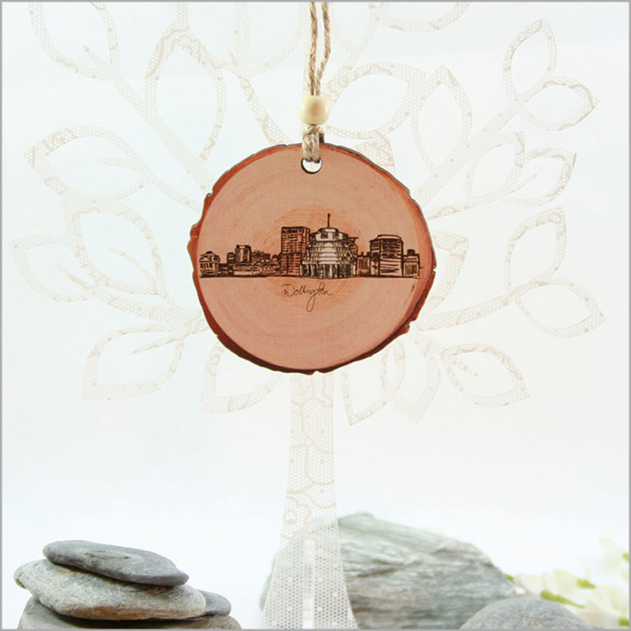 Wood Slice Ornament : Wellington